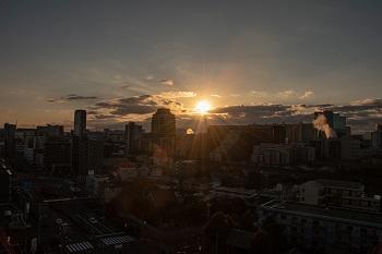 楽友会4階から見た多摩センター地区と初日