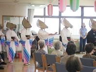 ボランティアサークルによる民踊披露
